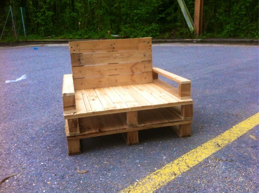 fauteuil en palette. Black Bedroom Furniture Sets. Home Design Ideas