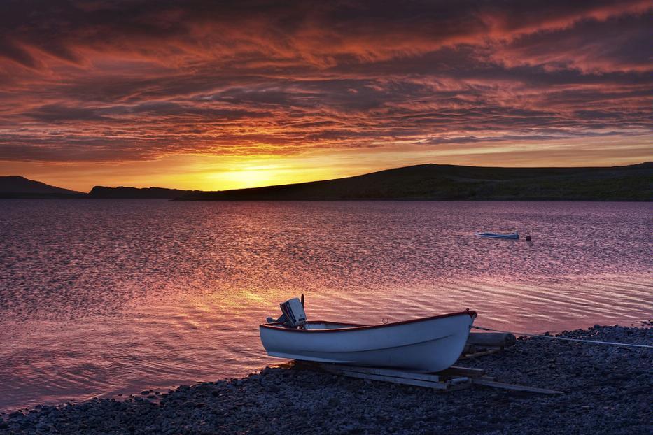 фото закат лодки