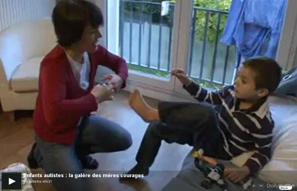 Enfants autistes : la galère des mères courages