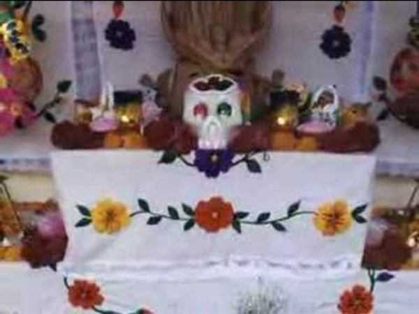 In-flight movie: El Dia de los Muertos en Mexico