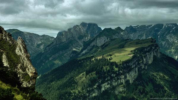Green-mountains.jpg (1366×768)
