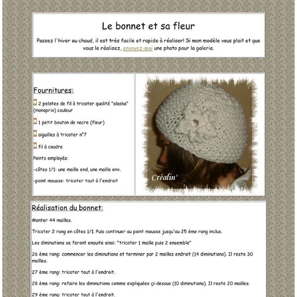 Bonnet blanc et sa fleur