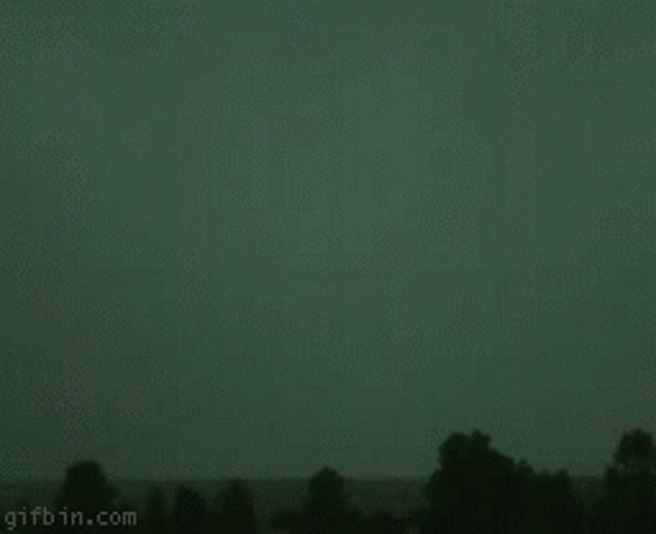 Slow-motion-lightning.gif (GIF Image, 256×209 pixels)