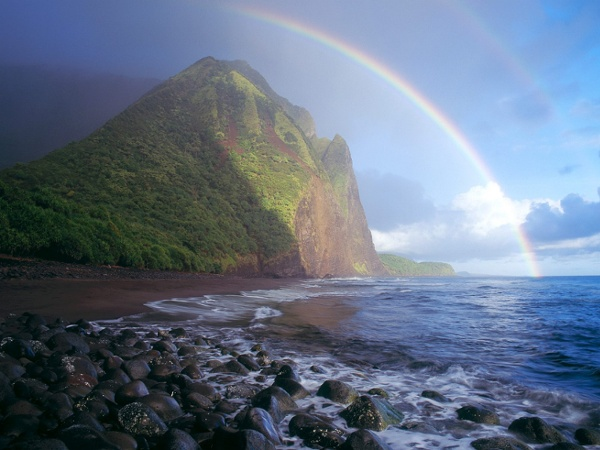 Misty_Rainbow_Waialu_Valley_Molokai_Hawaii.jpg (1600×1200)
