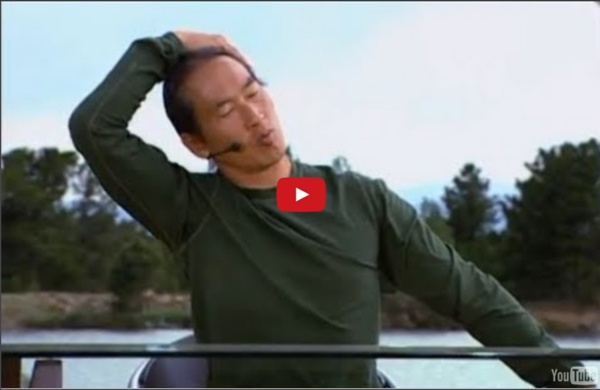 4-Minute Neck and Shoulders Stretch at Your Desk