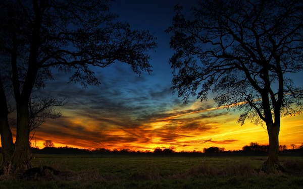 Fire-On-The-Sky-Wallpaper-279902.jpeg (JPEG Image, 1680x1050 pixels) - Scaled (49