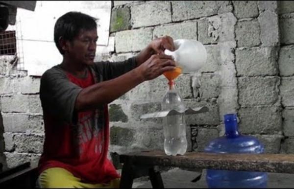 Philippines: la bouteille solaire, source de lumière et d'espoir