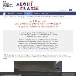 Les ambassadeurs CDI aménagent l'espace détente et créativité