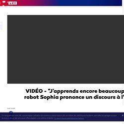 """VIDÉO - """"J'apprends encore beaucoup"""" : le robot Sophia prononce un discours à l'ONU"""