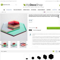 Kaleido, plateaux en acier laqué, existe en cinq astucieuses formes géométriques pour des usages multiples - déco et design