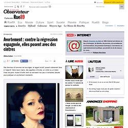 Avortement: contre la régression espagnole, elles posent avec des cintres