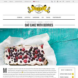 Oat cake with berries