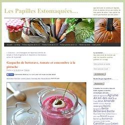 Gaspacho de betterave, tomate et concombre à la pistache