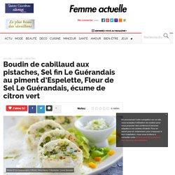Boudin de cabillaud aux pistaches, Sel fin Le Guérandais au piment d'Espelette, Fleur de Sel Le Guérandais, écume de citron vert