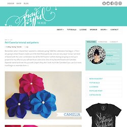 Felt Camelia tutorial and pattern