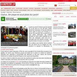 Caylus. On pique et coud place du Lavoir - 08/02/2014