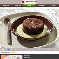 Fondant au chocolat et gianduja, crème anglaise &agra