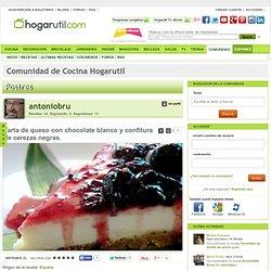 Tarta de queso con chocolate blanco y confitura de cerezas negras. en la Comunidad de Cocina Hogarutil