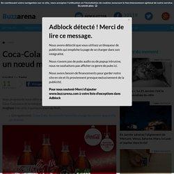 Coca-Cola : Une bouteille avec un nœud magique pour Noël