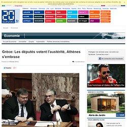 Grèce: Les députés votent l'austérité, Athènes s'enflamme