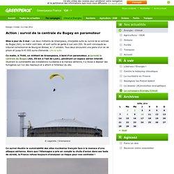 Action : survol de la centrale du Bugey en paramoteur