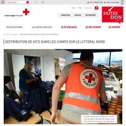 Distribution de kits dans les camps sur le littoral Nord