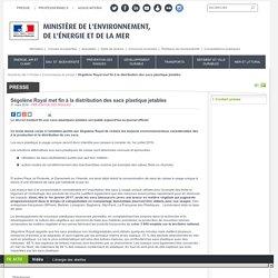 Ségolène Royal met fin à la distribution des sacs plastique jetables - Ministère de l'Environnement, de l'Energie et de la Mer