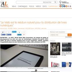 """""""Le Web est le médium naturel pour la distribution de livres numériques"""""""