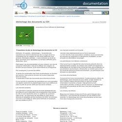 Espace pédagogique : documentation - désherbage des documents au CDI