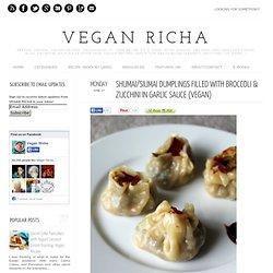 ShuMai/SiuMai dumplings filled with broccoli & zucchini in garlic sauce (Vegan)