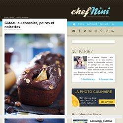 Gâteau au chocolat, poires et noisettes