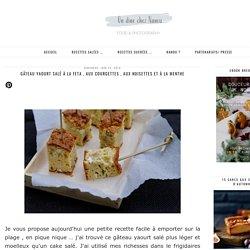 Gâteau yaourt salé à la feta , aux courgettes , aux noisettes et à la menthe