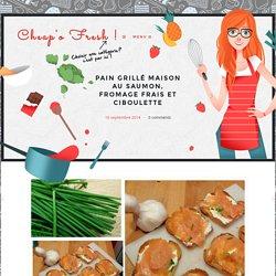 Pain grillé maison au saumon, fromage frais et ciboulette