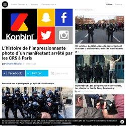 L'histoire de l'impressionnante photo d'un manifestant arrêté par les CRS à Paris