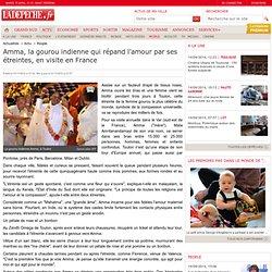 Amma, la gourou indienne qui répand l'amour par ses étreintes, en visite en France - A la Une