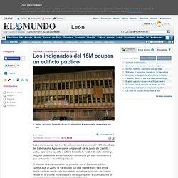 Los indignados del 15M ocupan un edificio público