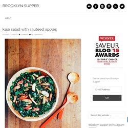 kale salad with sautéed apples