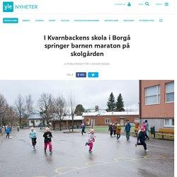 I Kvarnbackens skola i Borgå springer barnen maraton på skolgården