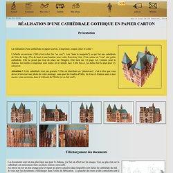 Maquette d'une cathédrale en papier carton à découper, plier et coller