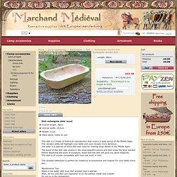 Grand plat medieval en bois d'aulne