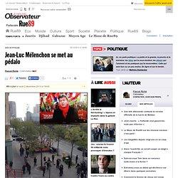 Jean-Luc Mélenchon se met au pédalo
