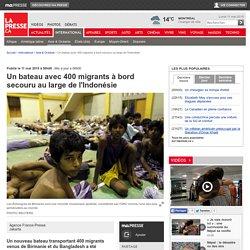 Un bateau avec 400 migrants à bord secouru au large de l'Indonésie
