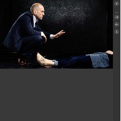 Derren Brown: Miracle review – a playful, perplexing night of Derren-do