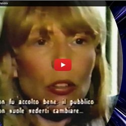 ▶ Joni Mitchell Speaks About Jimi Hendrix