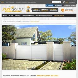 Manoa portail battant - Portail battant en aluminium blanc - Portail aluminium - SUNGATES : motorisation portail, automatisme et alarme de maison à Troyes