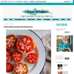 tomates farcies grecques avec du riz aux épinards