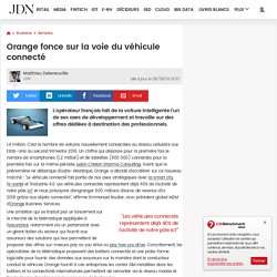 Orange fonce sur la voie du véhicule connecté