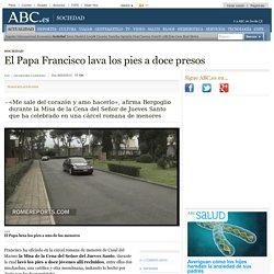 El Papa Francisco lava los pies a doce presos
