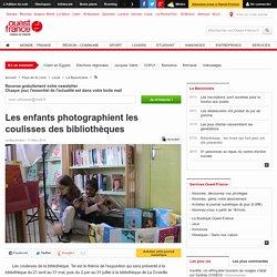 Les enfants photographient les coulisses des bibliothèques