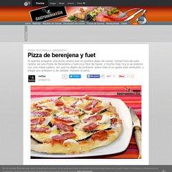 Pizza de berenjena y fuet